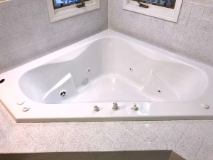 After: Jacuzzi tub in White and tile in